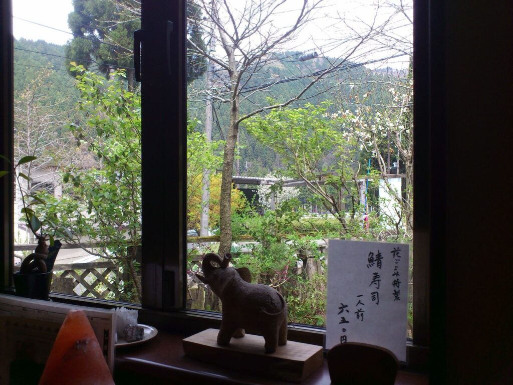 花ごよみの窓からの景色
