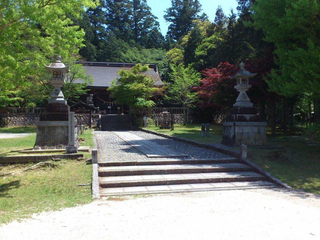 八王子神社の社殿