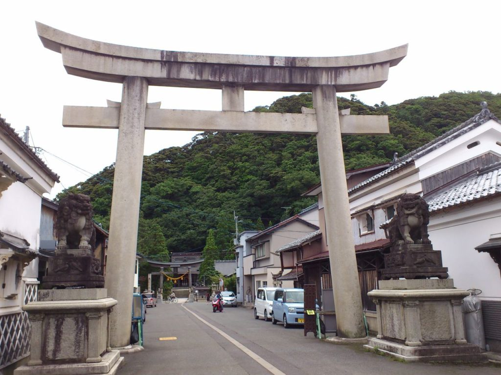 若狭小浜八幡神社の大鳥居