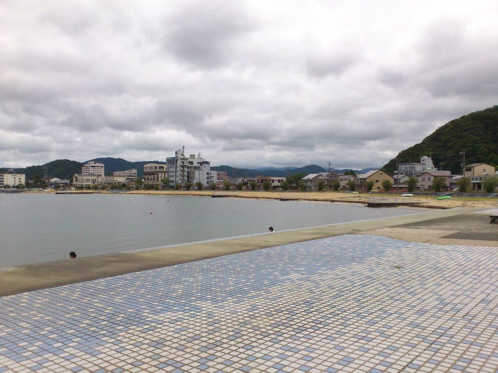 小浜公園の白鳥海岸