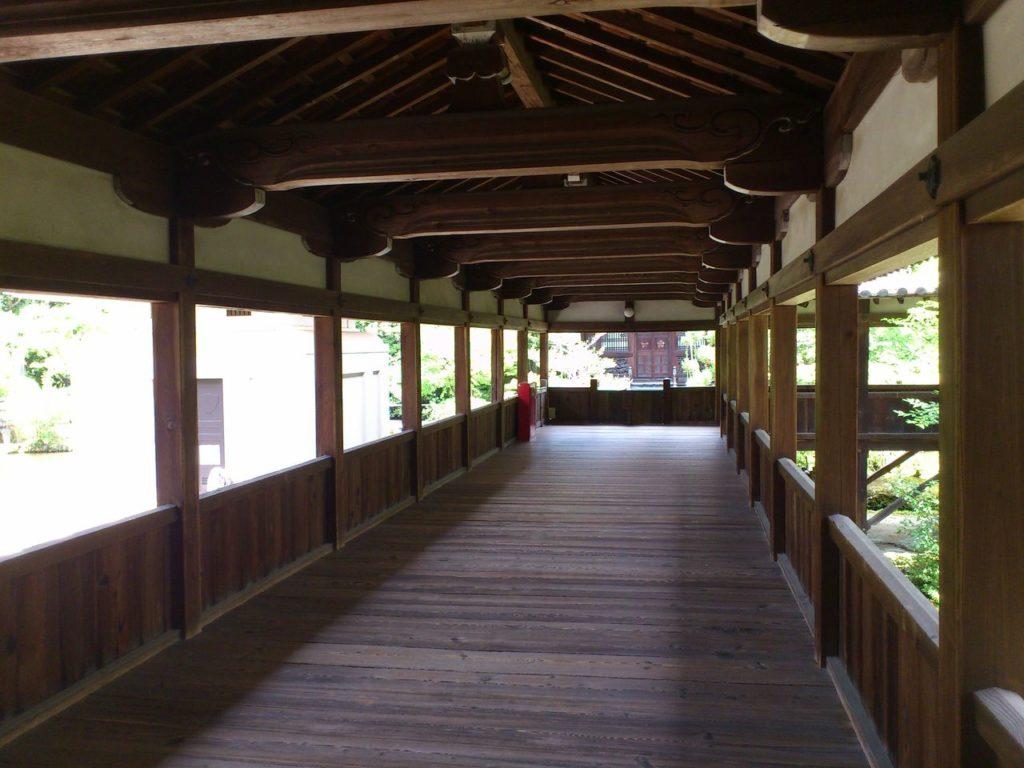 嵯峨釈迦堂の渡り廊下