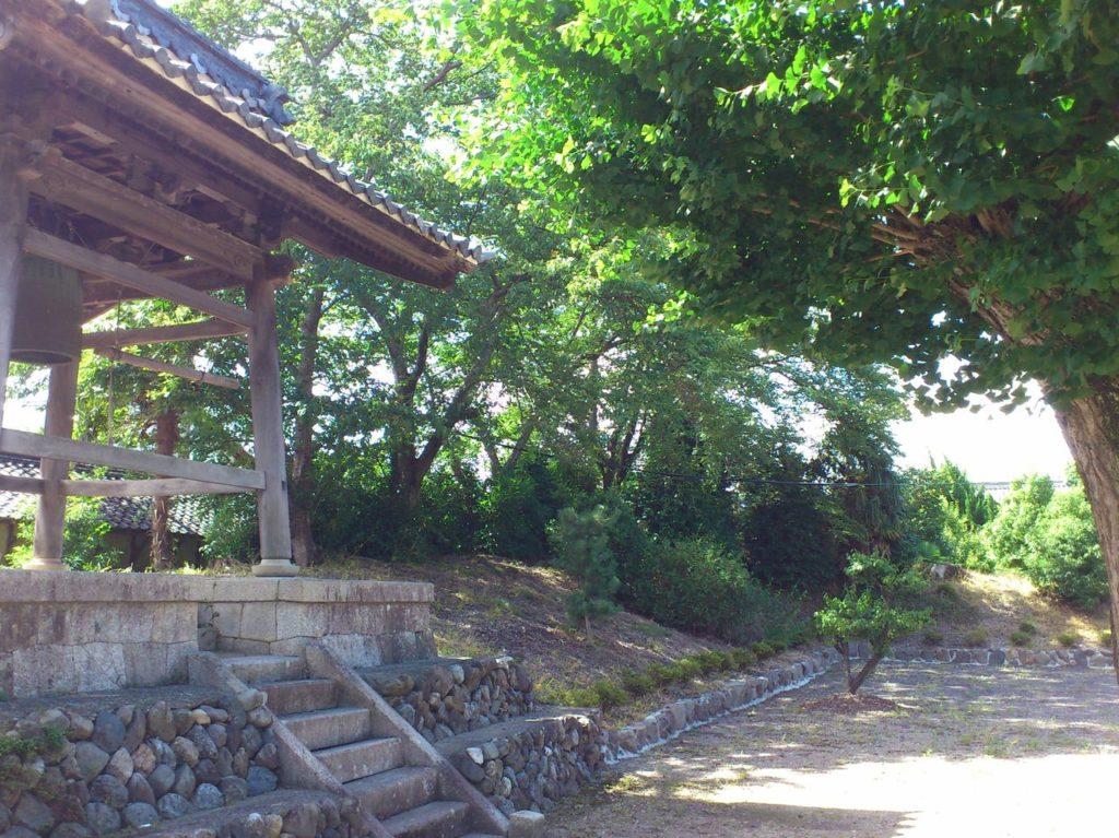 伝正寺の鐘つき堂