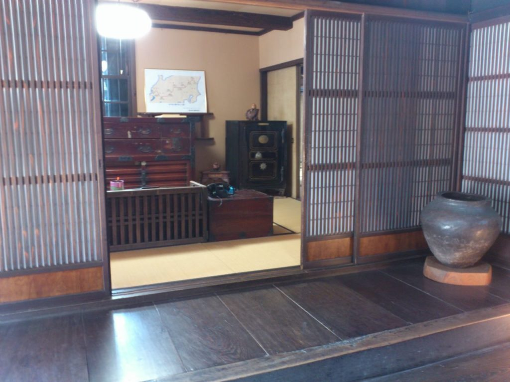 京藤甚五郎家の帳場