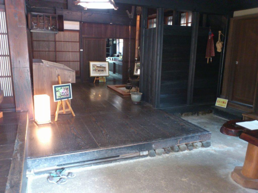 京藤甚五郎家の囲炉裏