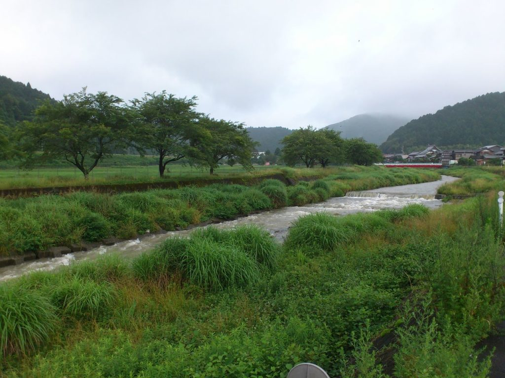 今須川を確認