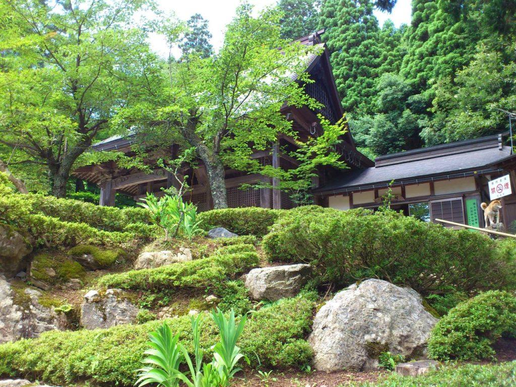石道寺の庭