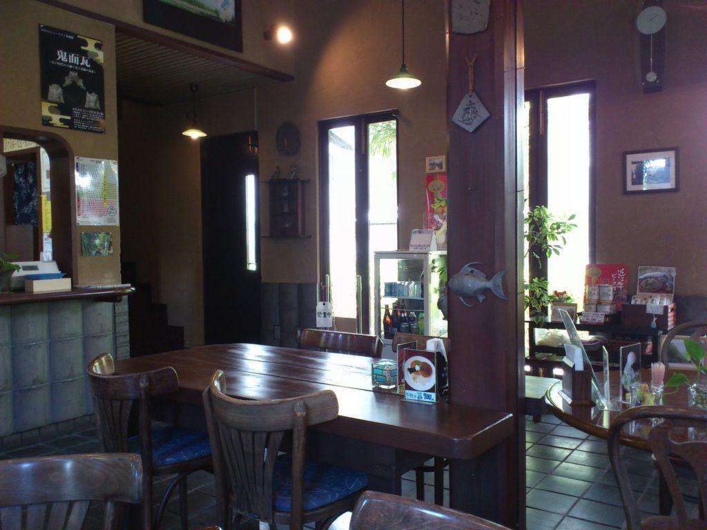 喫茶瓦亭の内部