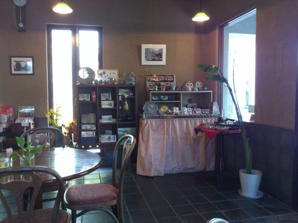 喫茶瓦亭のお土産コーナー