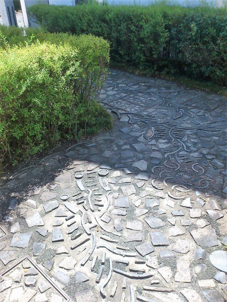 かわらミュージアムの瓦畳の模様