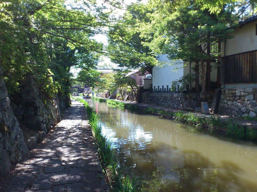 八幡堀をめぐる舟