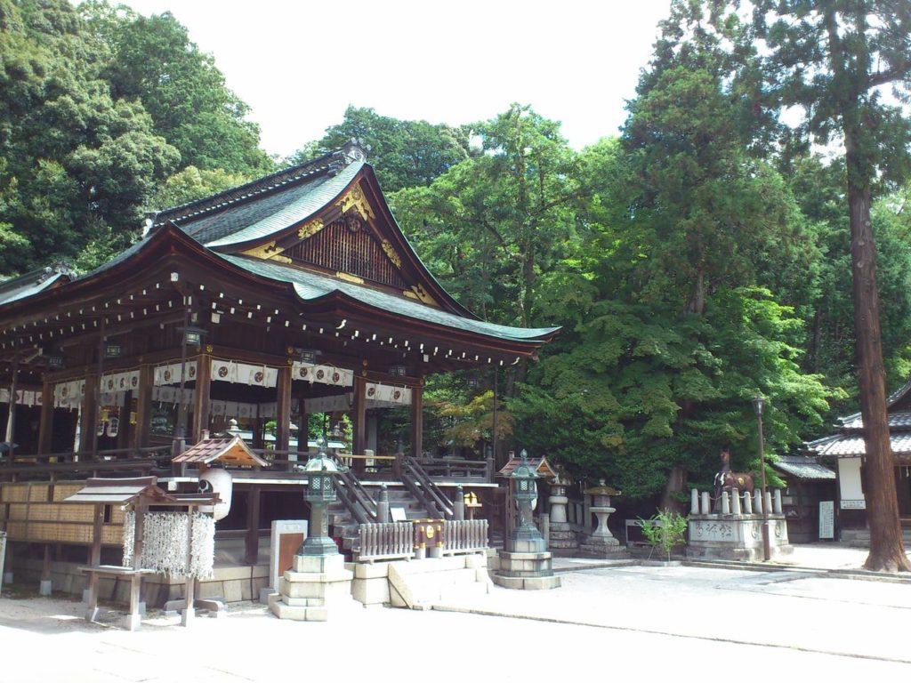 日牟禮八幡宮の拝殿