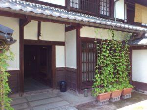 外村宇兵衛邸の玄関