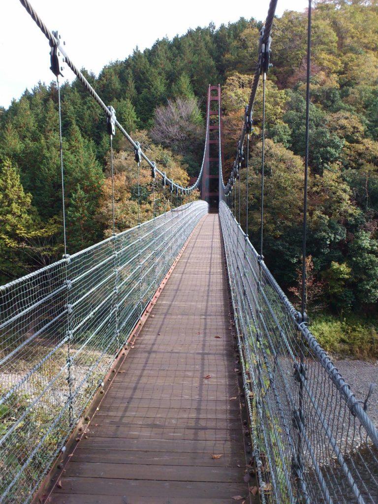 多良峡のつり橋