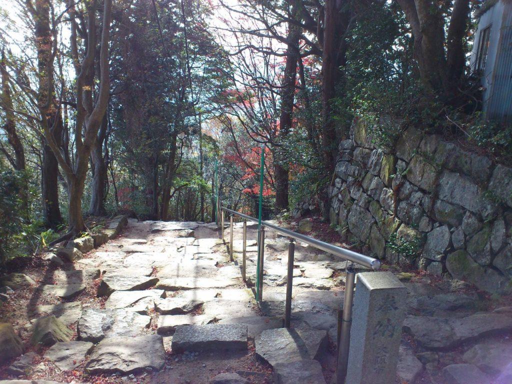 観音正寺からの下り口
