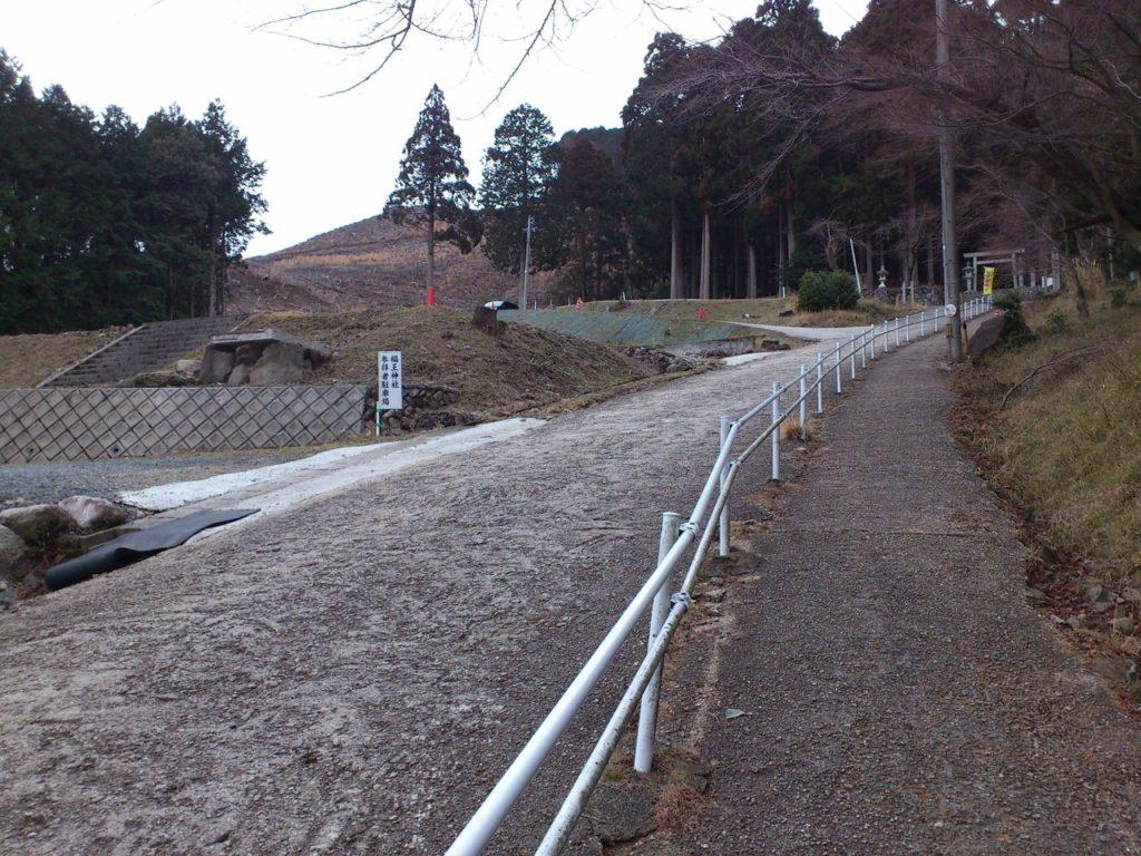福王神社の参拝者用駐車場