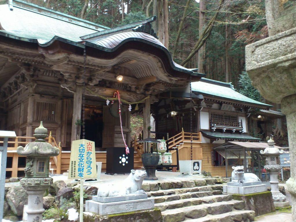福王神社の社殿