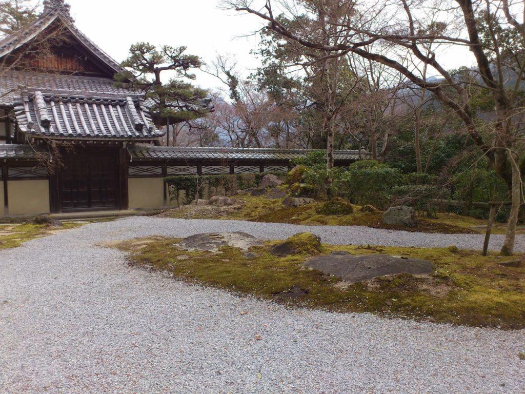 禅堂の前の庭