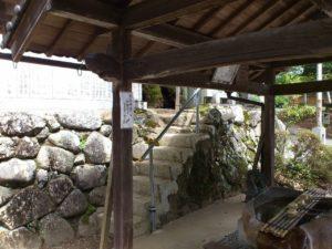 犬上神社への階段