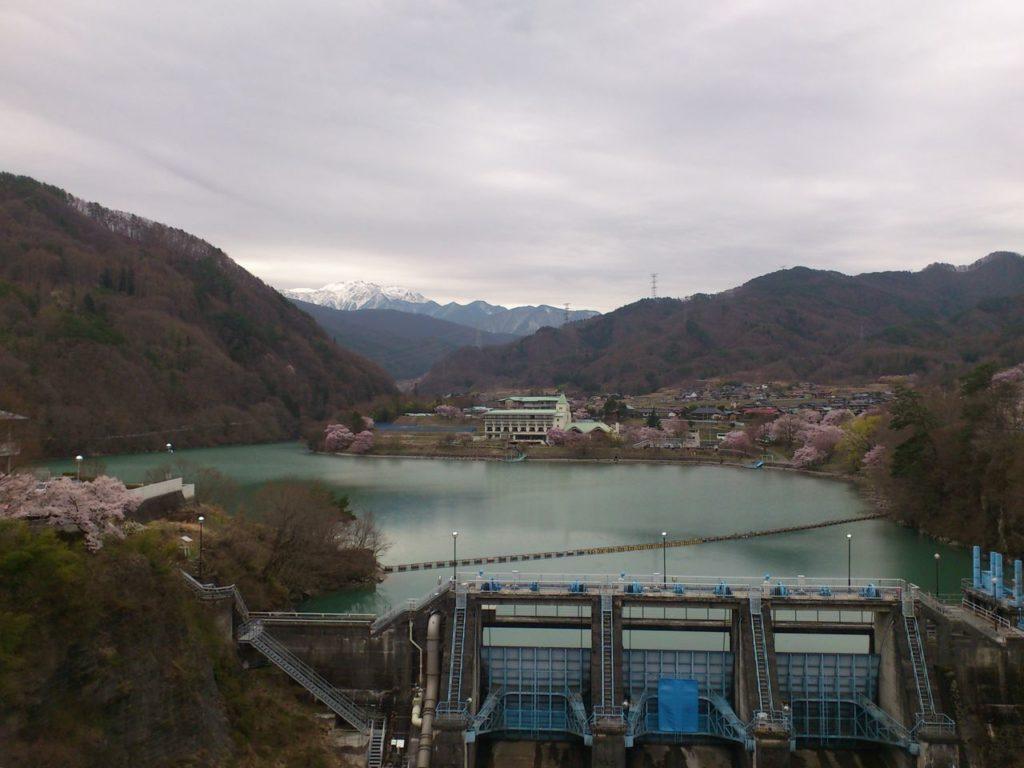 高遠ダムと高遠湖