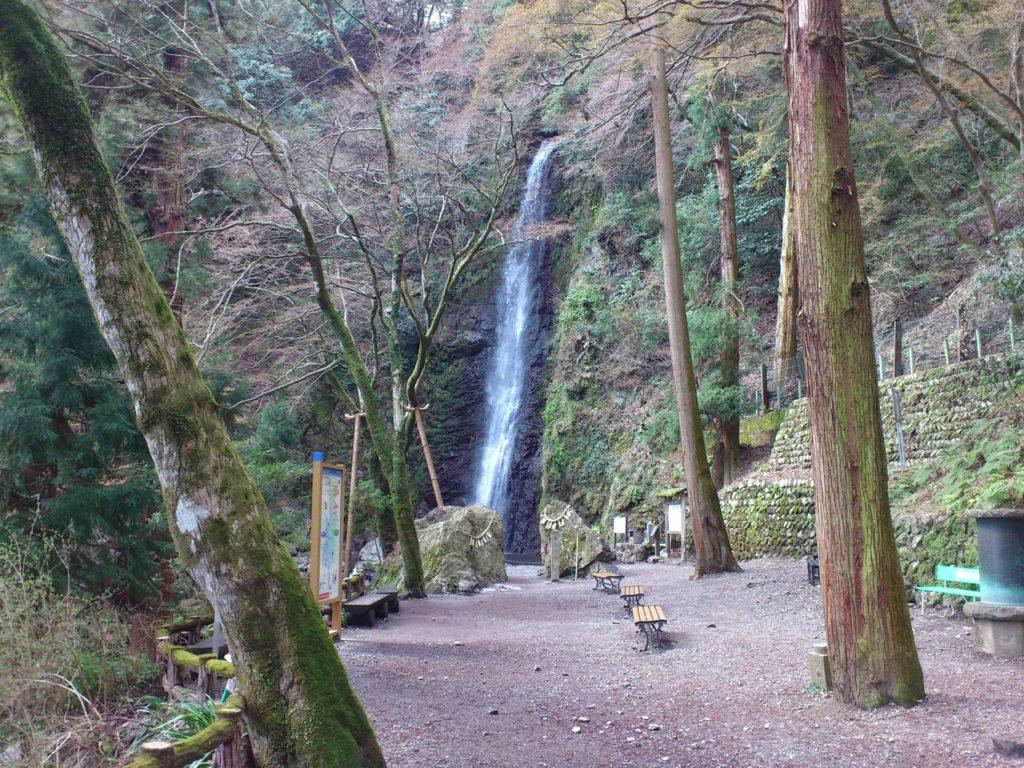 養老の滝(遠景)