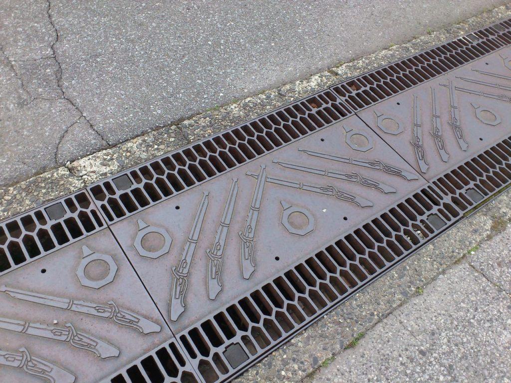 国友鉄砲の里の側溝の蓋