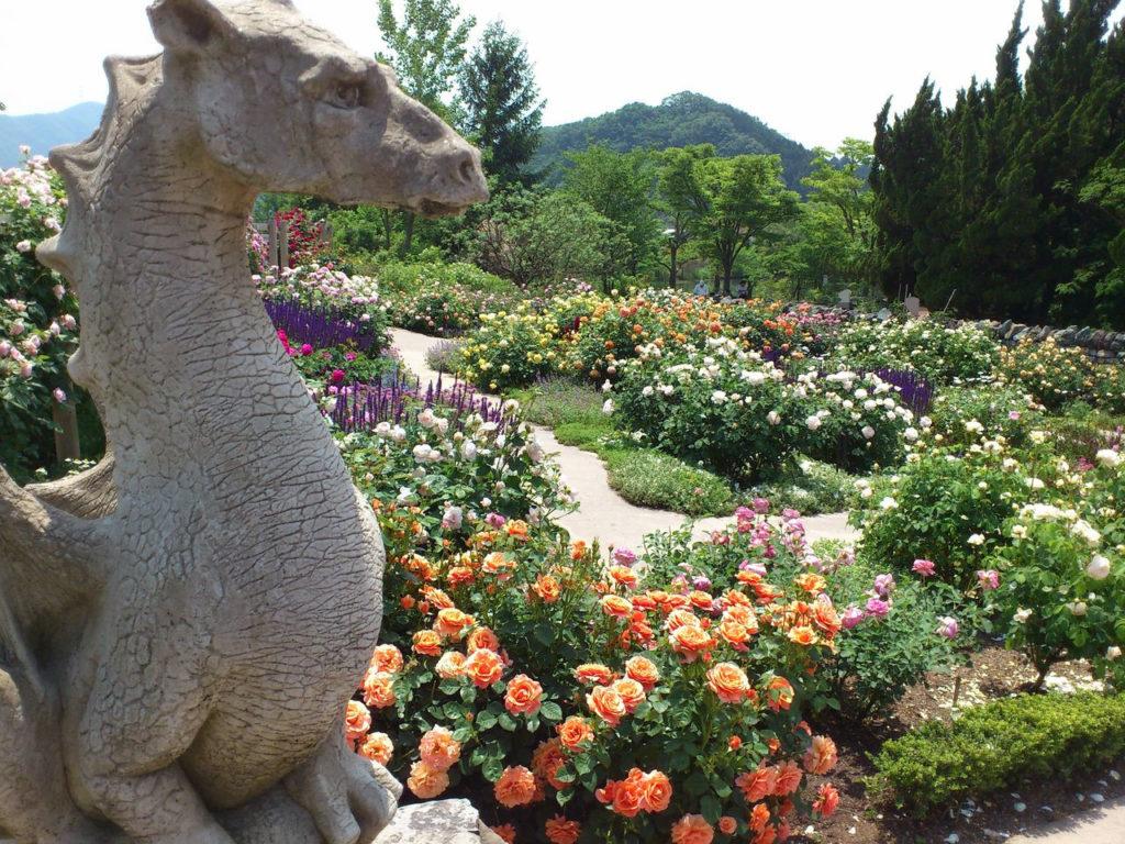 ドラゴンのいる庭園