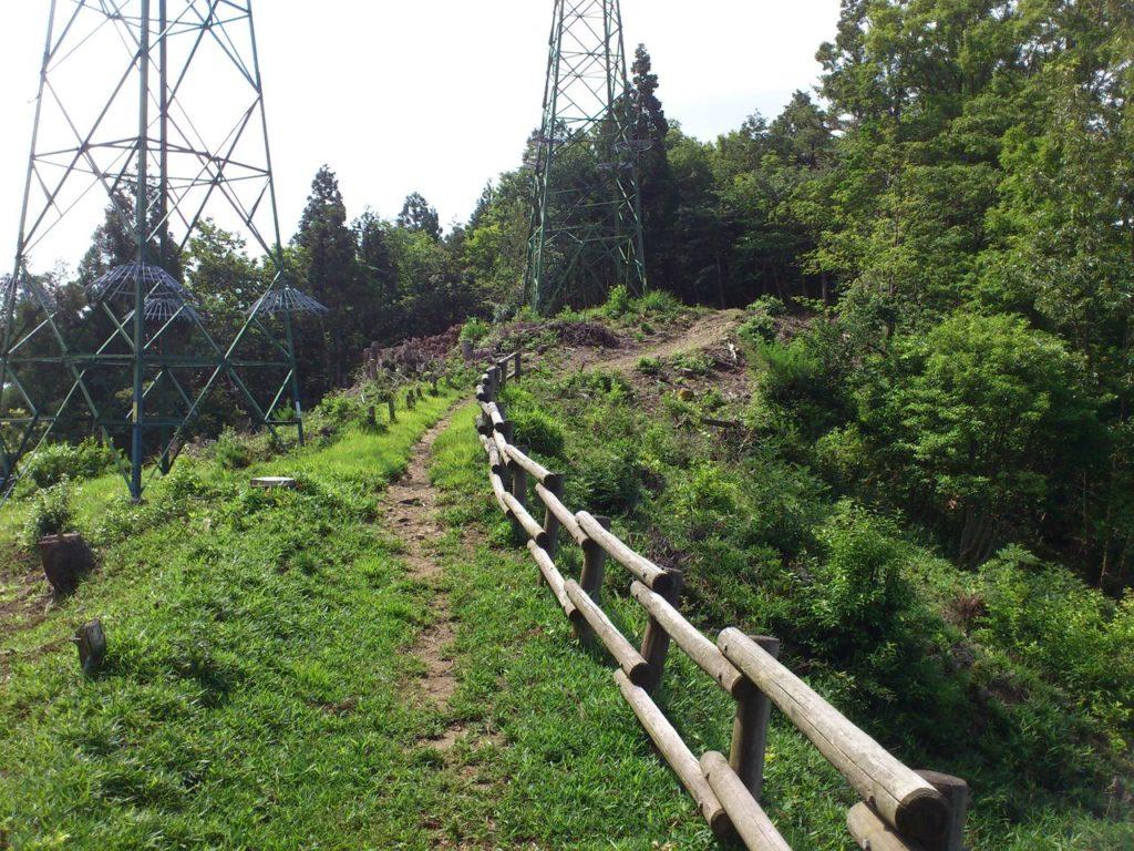 賤ヶ岳の2本鉄塔