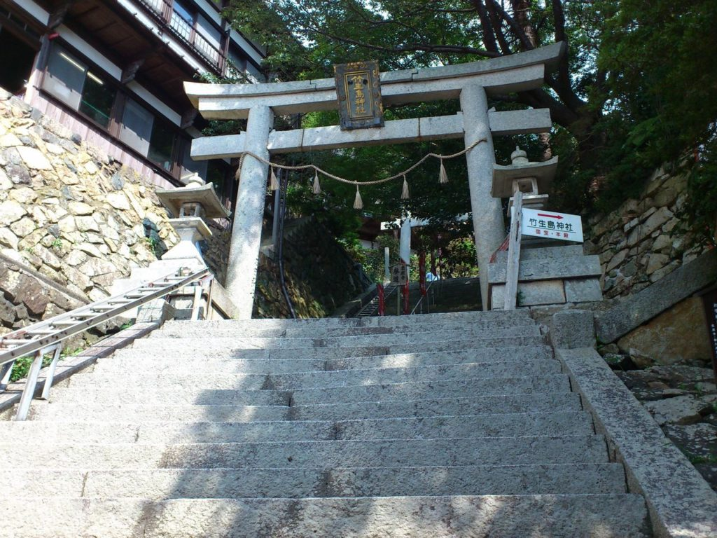 竹生島神社の鳥居