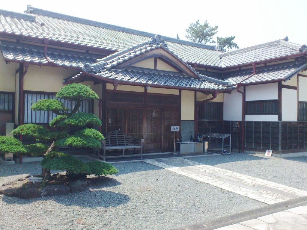 六華苑の内玄関棟