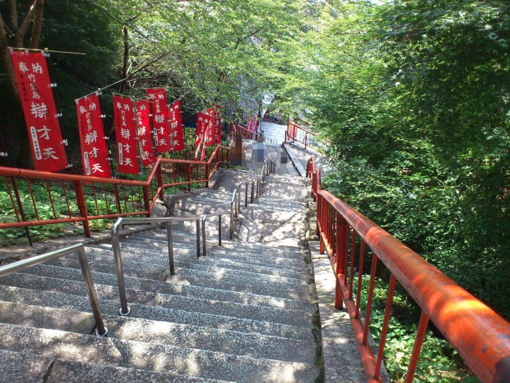 唐門への石段
