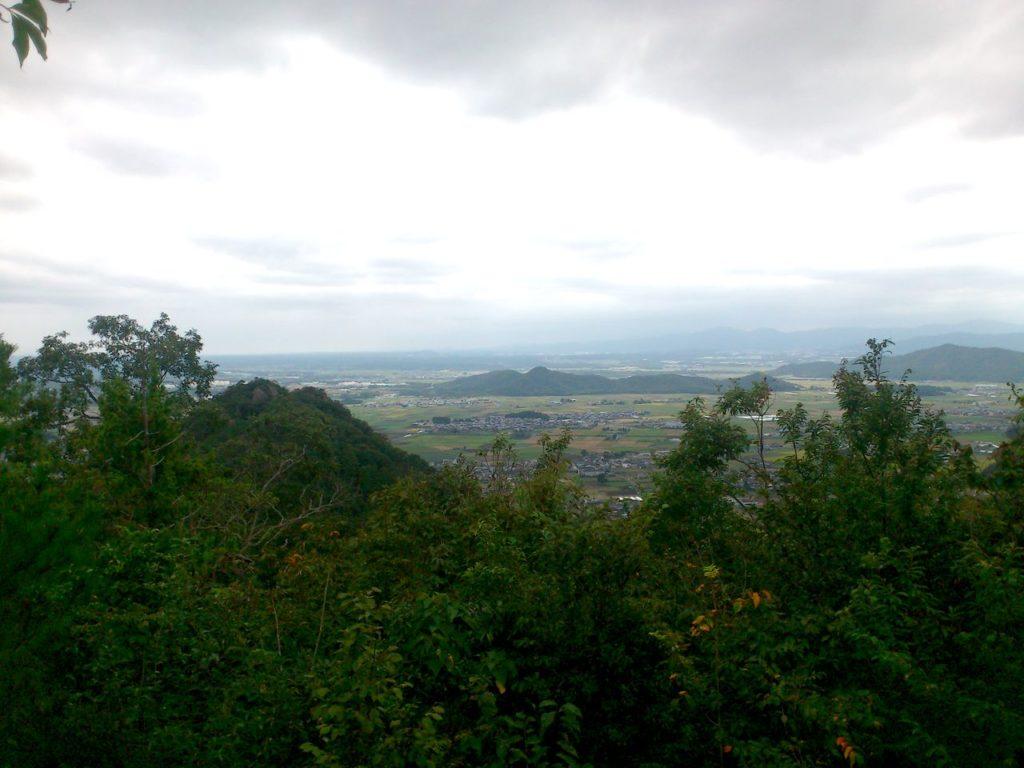 箕作山頂上から南