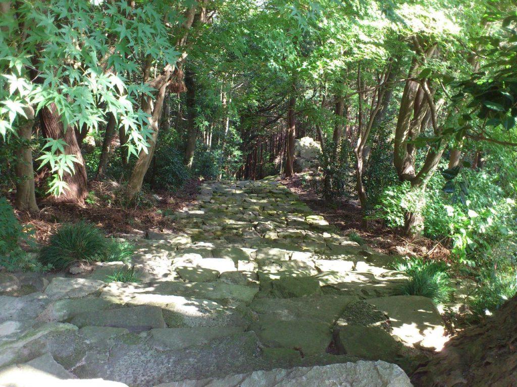 瓦屋寺の旧表参道