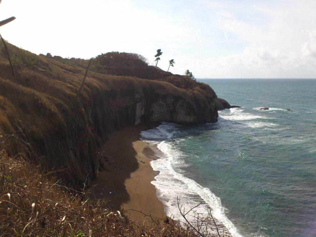 加佐ノ岬の横の砂浜