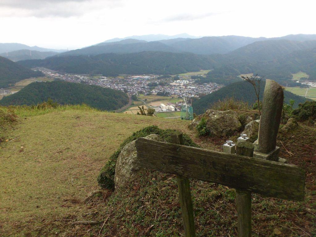 清滝山から眺める柏原