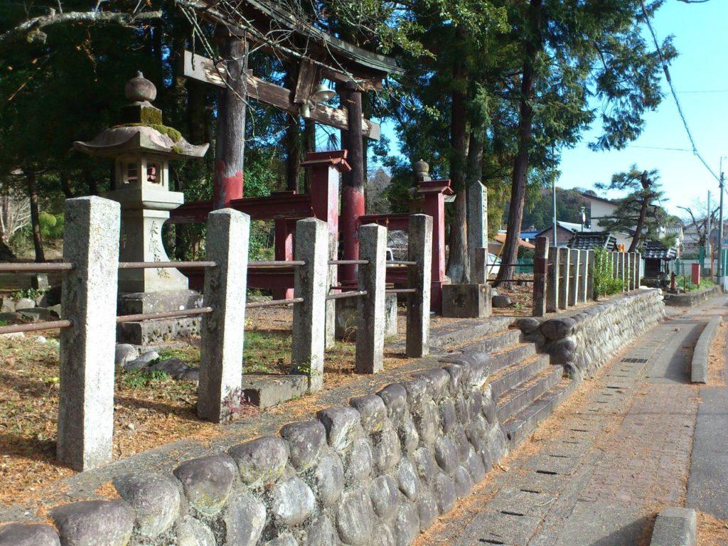 本巣市文殊の八幡神社の鳥居