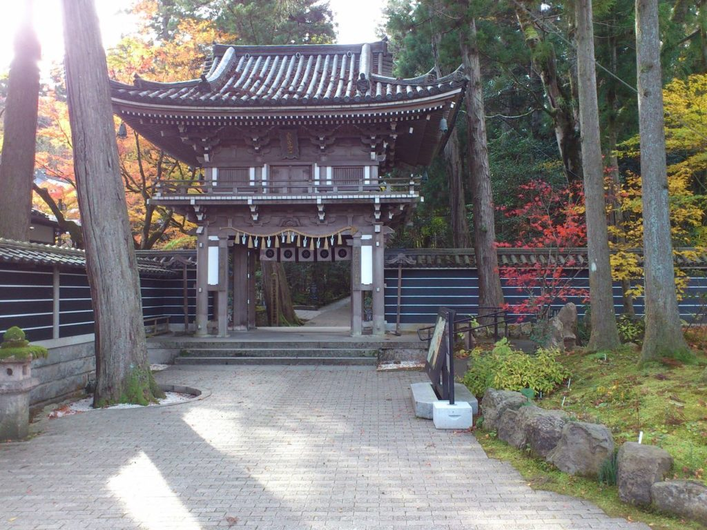 那谷寺の山門
