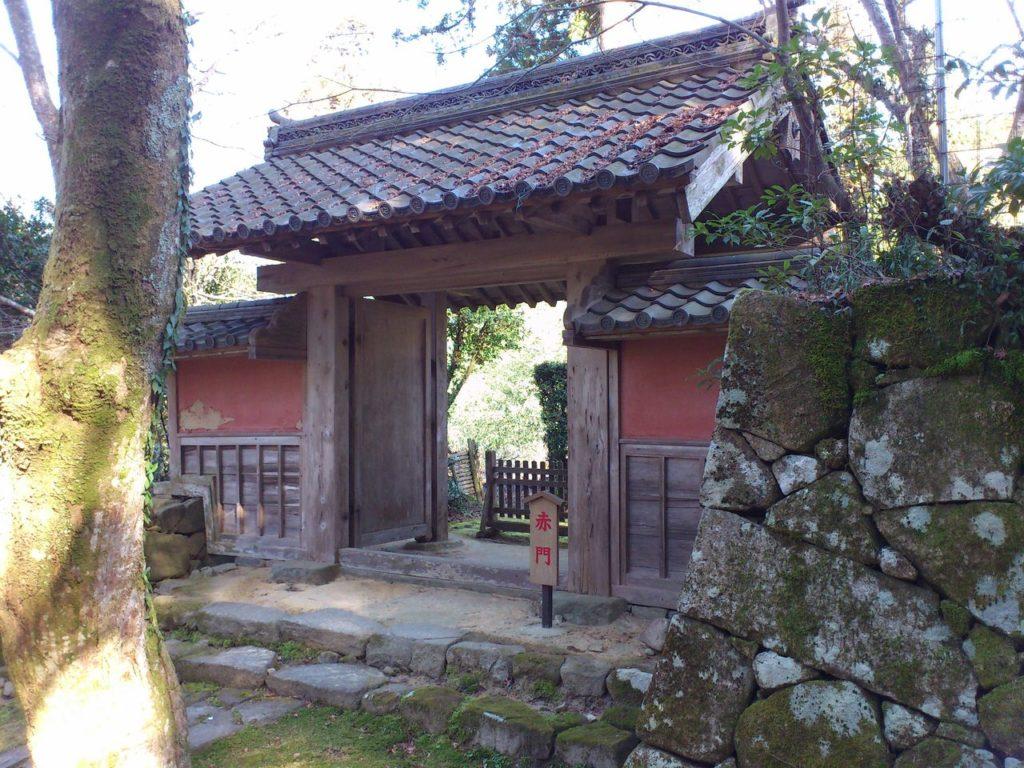 金剛輪寺の赤門