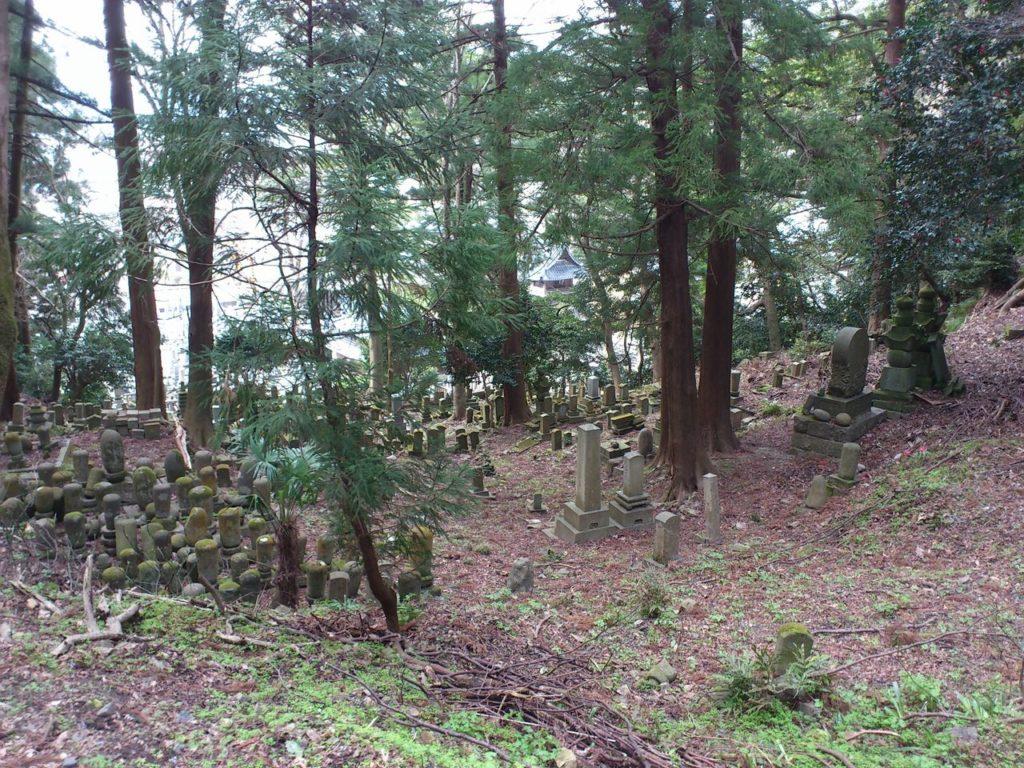 永厳寺の墓地