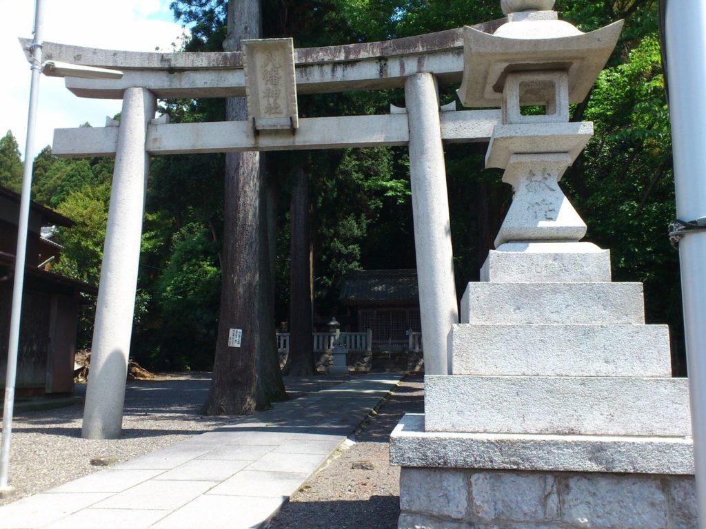 八幡神社の石鳥居