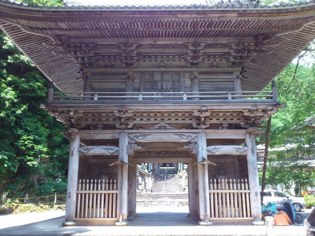 甘南美寺の仁王門