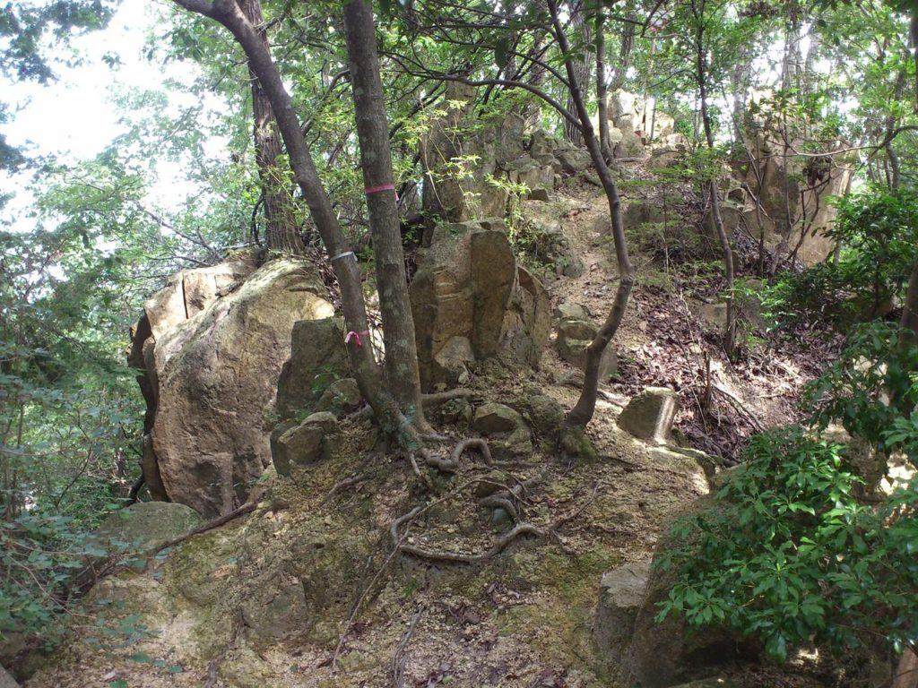 林立する巨大な岩山