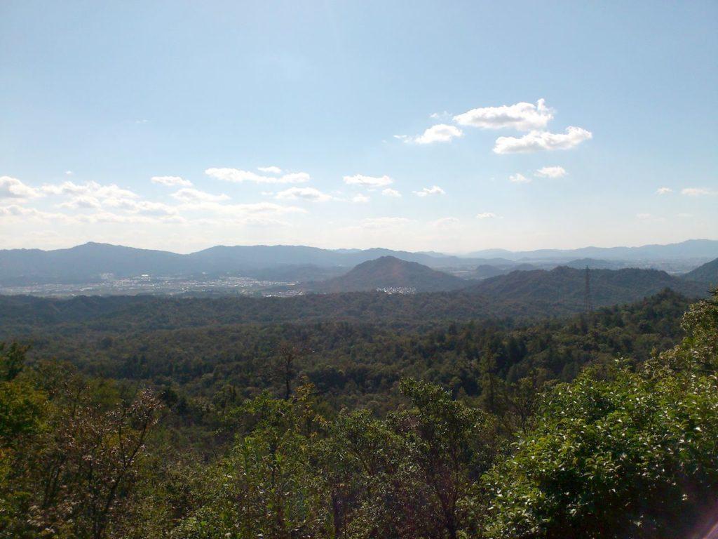 鏡山三角点山頂下からの眺め